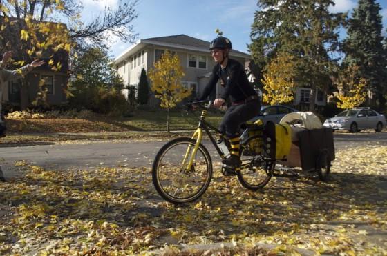 The Beez Kneez Bike Delivery 6ftmama.com